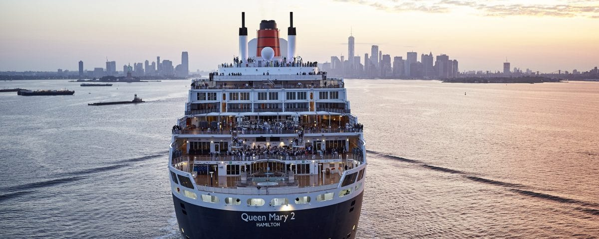 queen mary 2 proche de new york